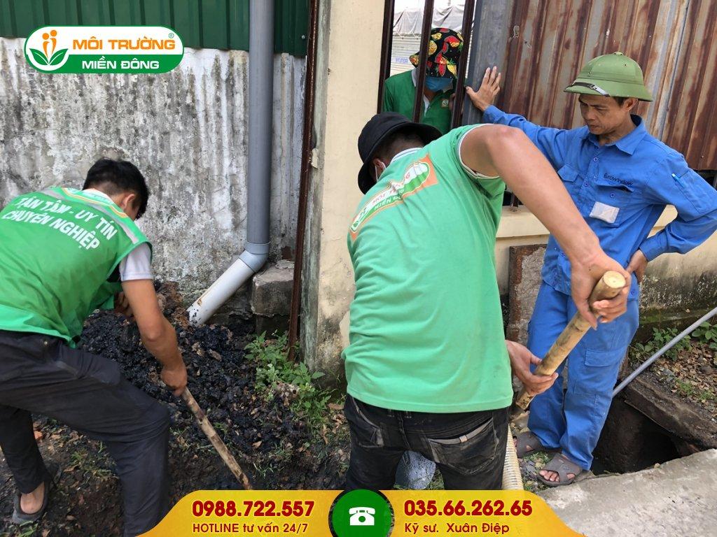Thuê dịch vụ vệ sinh hố ga
