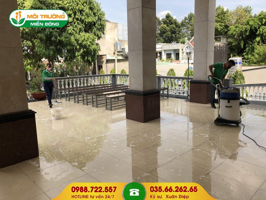 Thuê dịch vụ vệ sinh công trình sau xây dựng