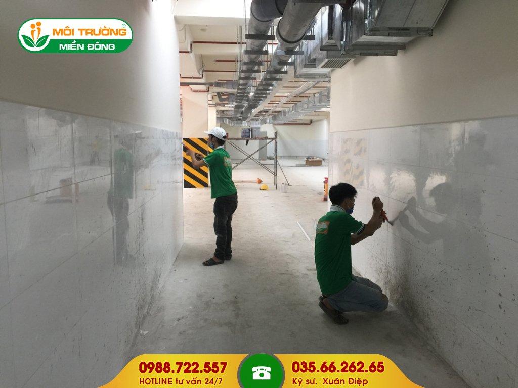 Báo giá dịch vụ lau chùi tường